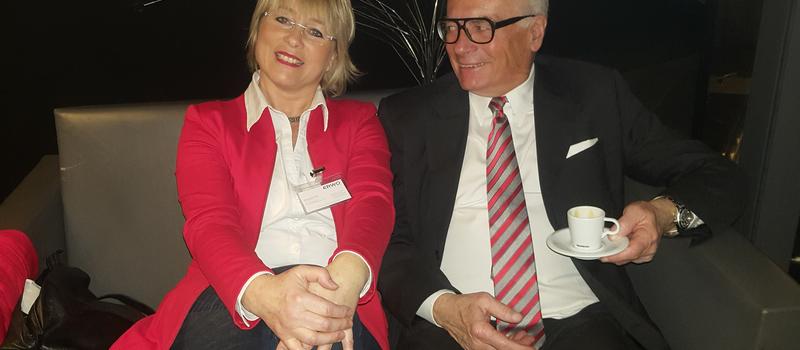 Dr. Schreibers® Mitarbeiterin Ursula Pfeiffer im InterviewDr. Schreibers® Mitarbeiterin Ursula Pfeiffer im Interview