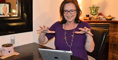 Klimawechselbotschafterin Gabi beim Bloggen