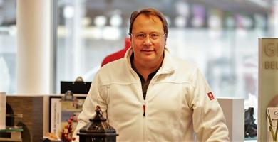 Mag. pharm. Klaus Dundalek ist Inhaber der apotheke mistelbach