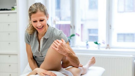"""Osteopathin Eva Hinterleitner hat einen """"Knochenjob"""""""